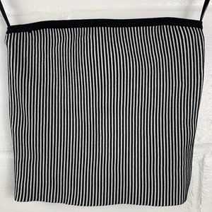 Forever 21 Tops - FOREVER 21 Black Stripe Ribbed Crop Top Size Small